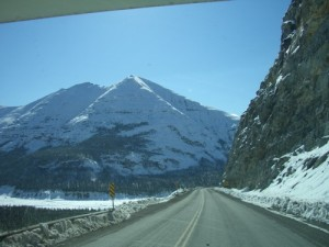 approaching the Sawtooth Mountains (I'd call them the Pyramid mountains!)