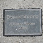 plaque confirming this is a statue of Daniel Boone