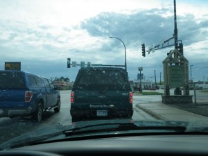 the truck ahead of me is one step up from the Ranger, the F150. Same colour as my truck but definitely beefier!