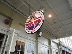 There's a Bubba Gump place on Chicago's Navy Pier, so can we say tourist trap?