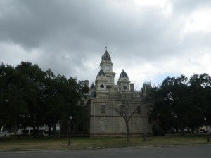 Another angle of the Goliad courthouse